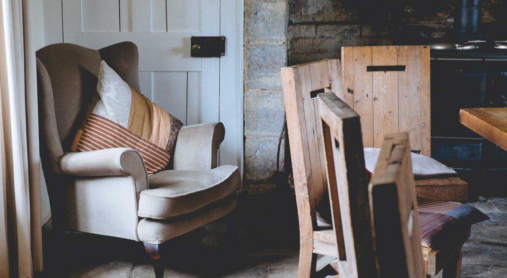 who picks up old furniture