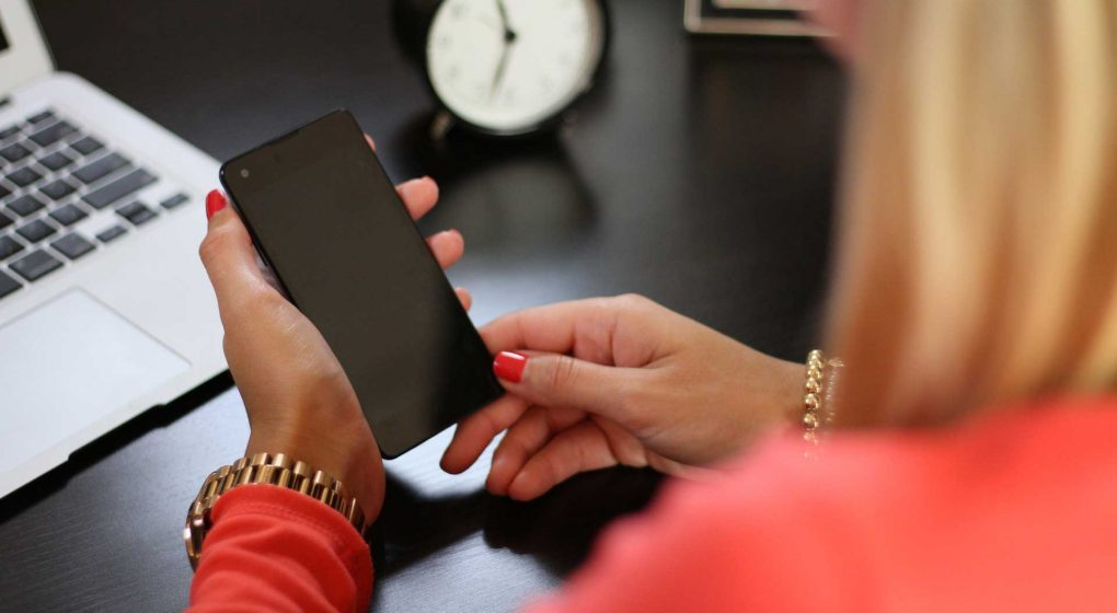 5-Signs-You-Have-Digital-Distraction-Disorder-on-pinnacleweekly